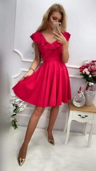 Cyklamenové šaty