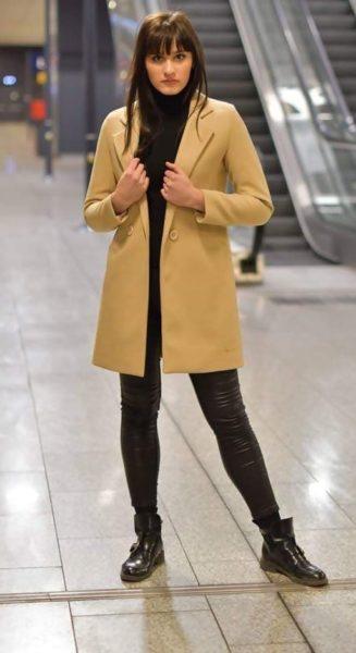 Krémový kabát