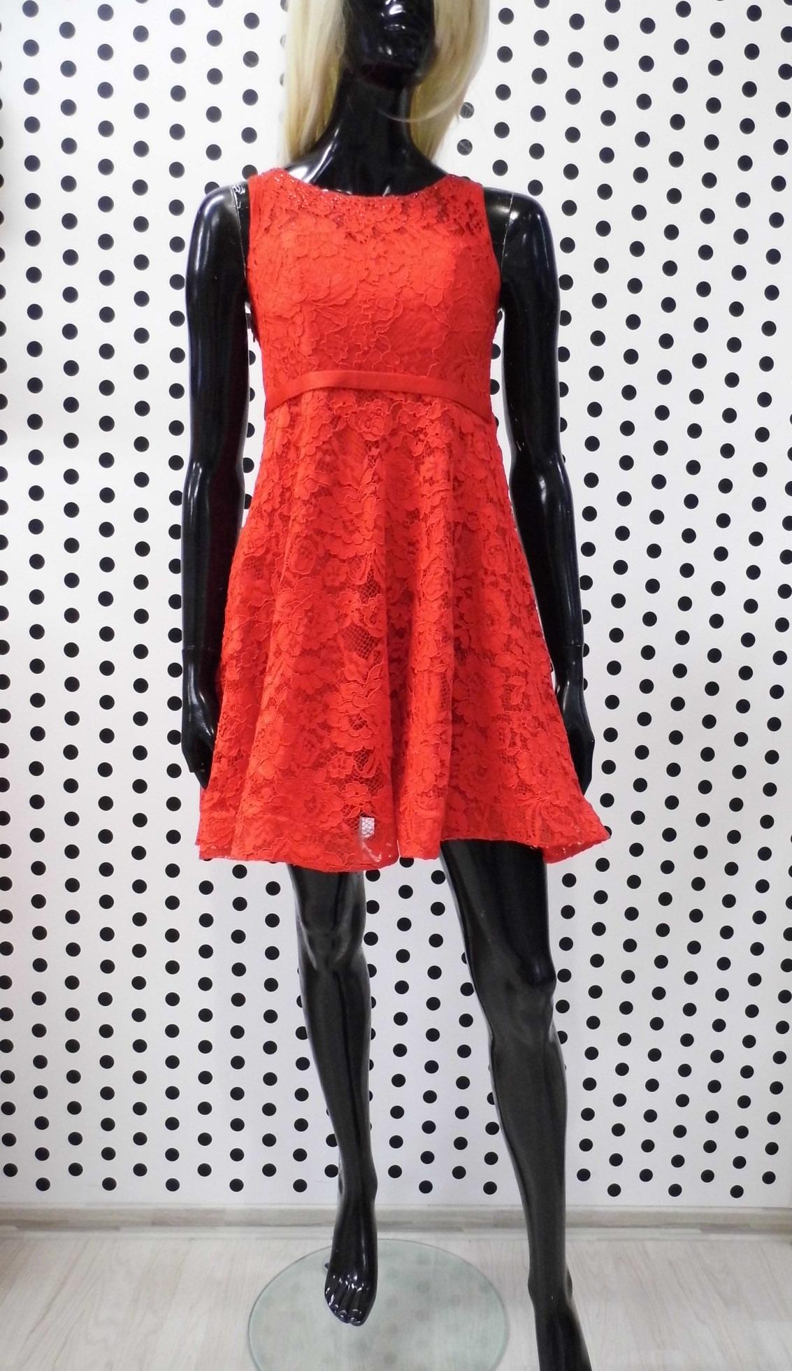 30d555e44263 Červené čipkované šaty – erlenfashion.sk