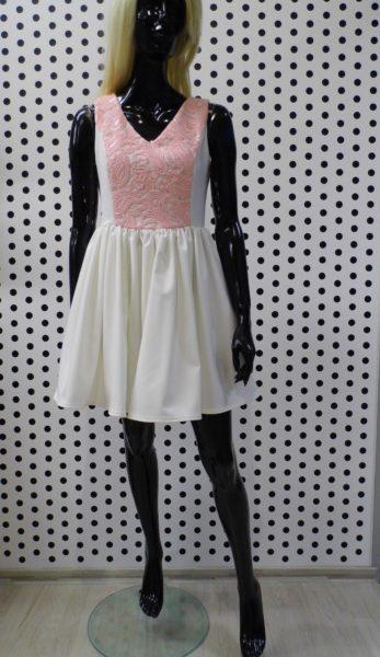 Biele šaty s ružovou čipkou