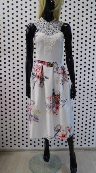 Biela sukňa s kvetmi