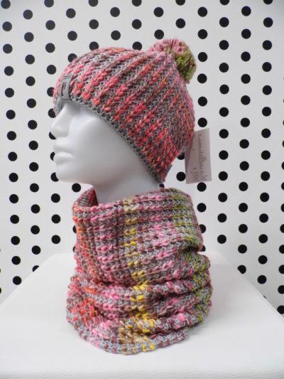 Vlnená čiapka so šálom