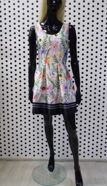 Kvetované šaty saténové