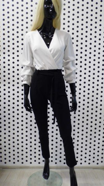 Čierno biely overal