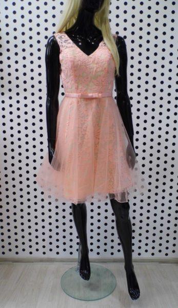 Krátke púdrové šaty
