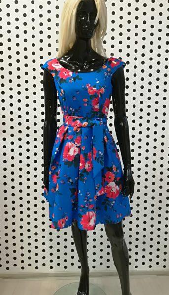 Modré šaty s kvetmi