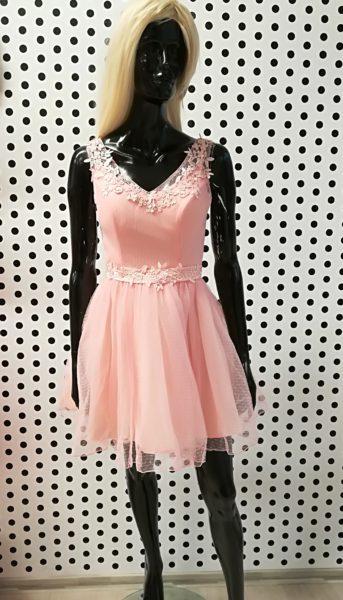 Púdrové šaty